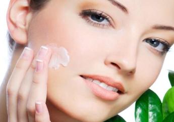 طرز تهیه ۳ نوع ماسک برای درمان جوش و پاکسازی صورت
