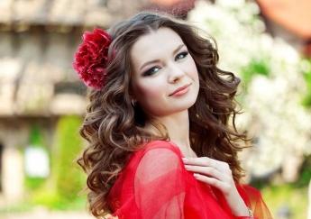 بهترین انتخاب رنگ مو متناسب با رنگ لباس
